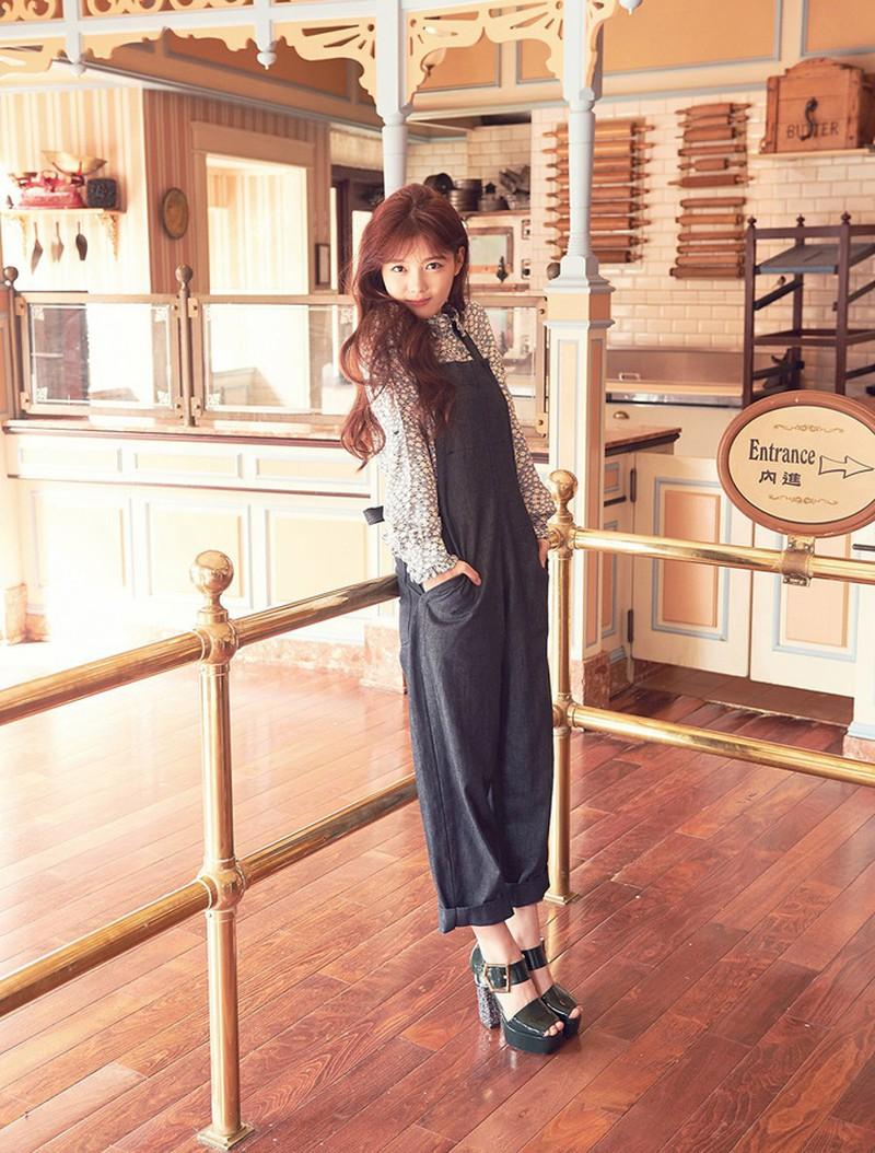 style của Kim Yoo Jung với quần yếm Phim Red Sky