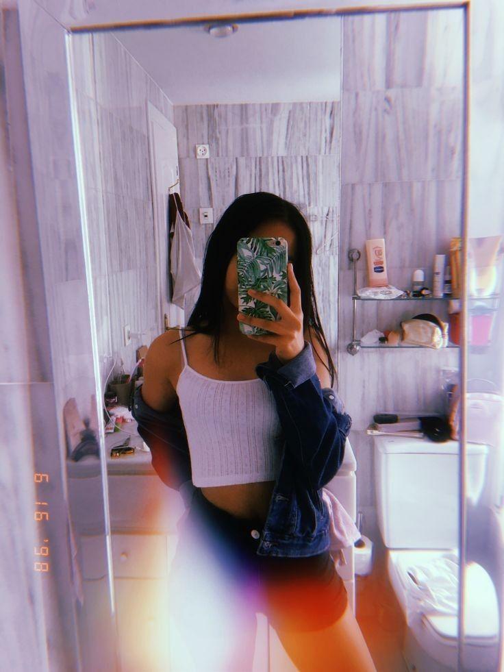 Selfie Đẹp trước gương