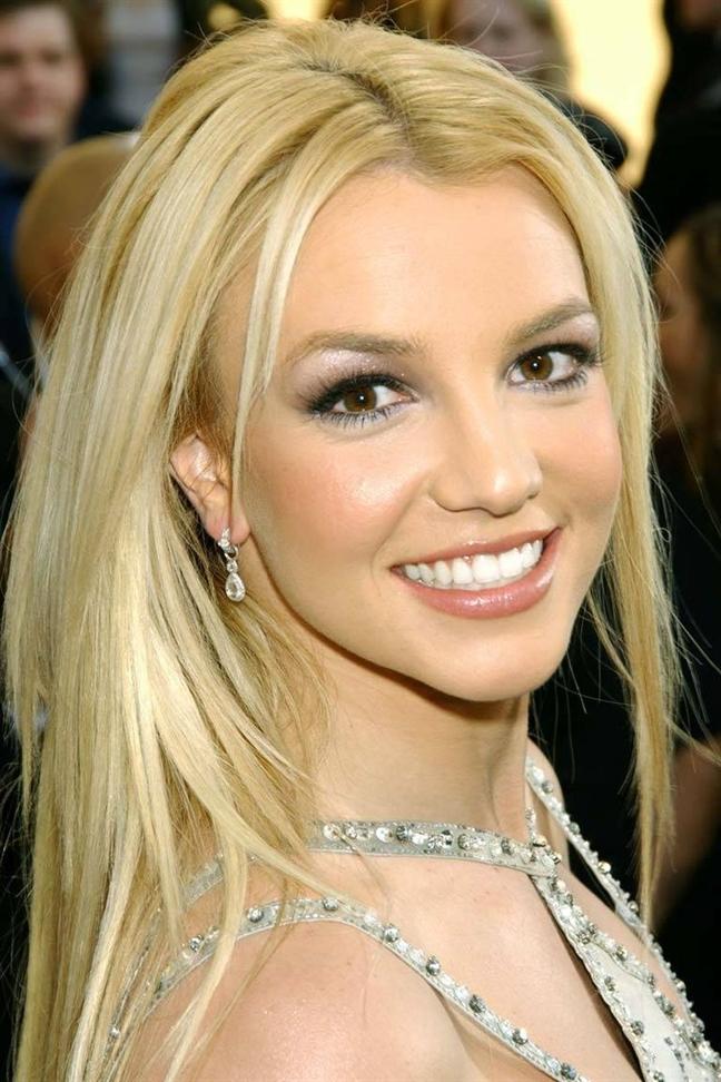 kiểu tóc  vàng của Britney Spears