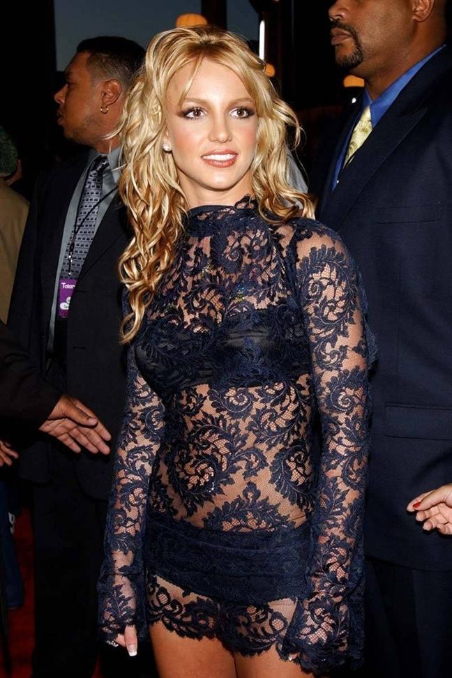 Britney Spears với trang phục ren hở bạo