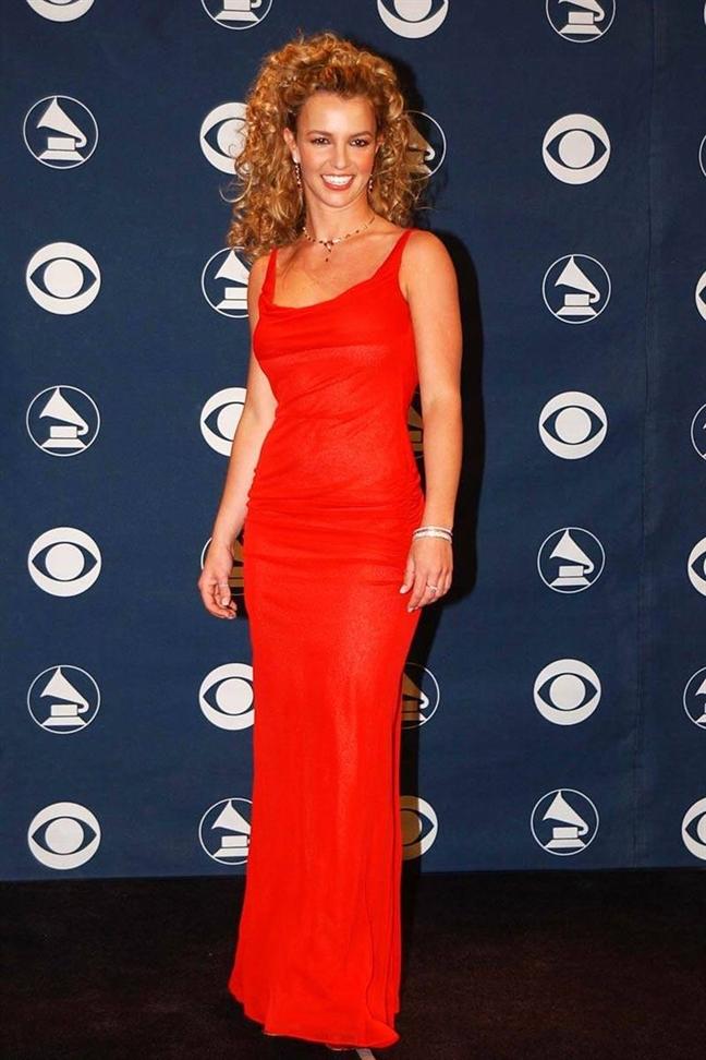 Britney Spears Ấn tượng với hàng loạt bộ cánh thảm đỏ quyến rũ và thanh lịch