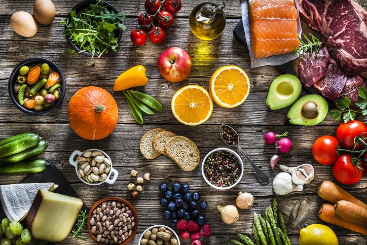 trị mụn nội tiết bằng Một chế độ ăn uống lành mạnh
