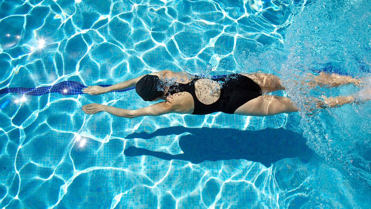 Cung Hoàng Đạo Cự Giải (21/6 - 22/7) hợp Bơi lội