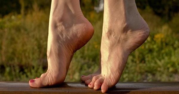 Đi bộ kiễng chân