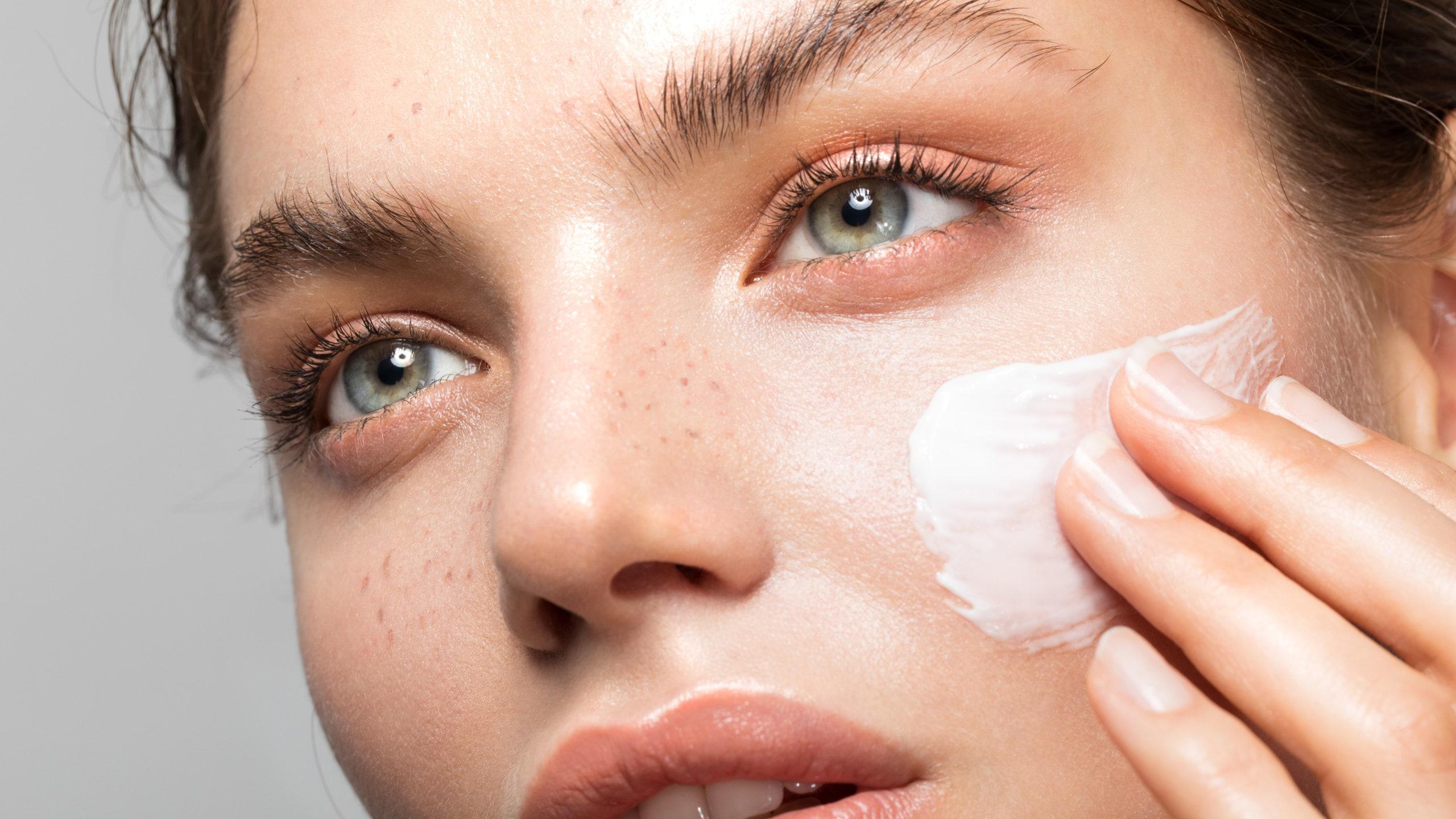 bảo vệ làn da khỏi tình trạng maskne