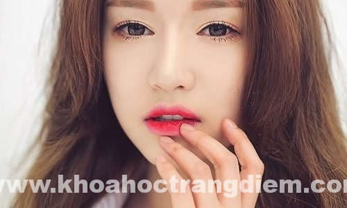 Hướng dẫn cách trang điểm đánh son lòng môi(p1.)