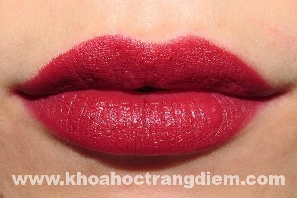 Hướng dẫn cách trang điểm môi để son luôn đẹp và lâu trôi