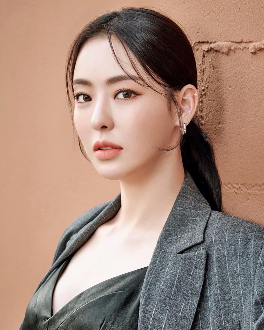 diễn viên Lee Da Hee