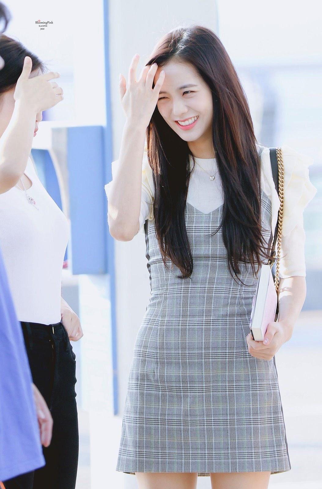 """nhan sắc của cô nàng """"visual"""" Jisoo"""